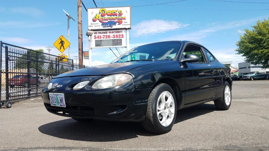 2000 BLACK /Gray Ford Escort ZX2 (3FAKP1133YR) with an 2.0L L4 DOHC 16V engine, AUTOMATIC transmission, located at 3477 Main St., Springfield, OR, 97478, (541) 726-3823, 44.045738, -122.976952 - Photo #0